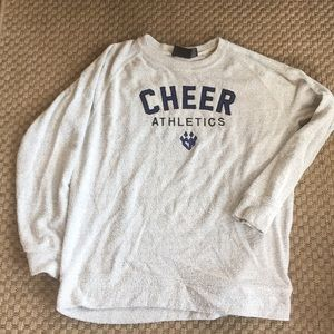 Cheer athletics sweat shirt great cond medium